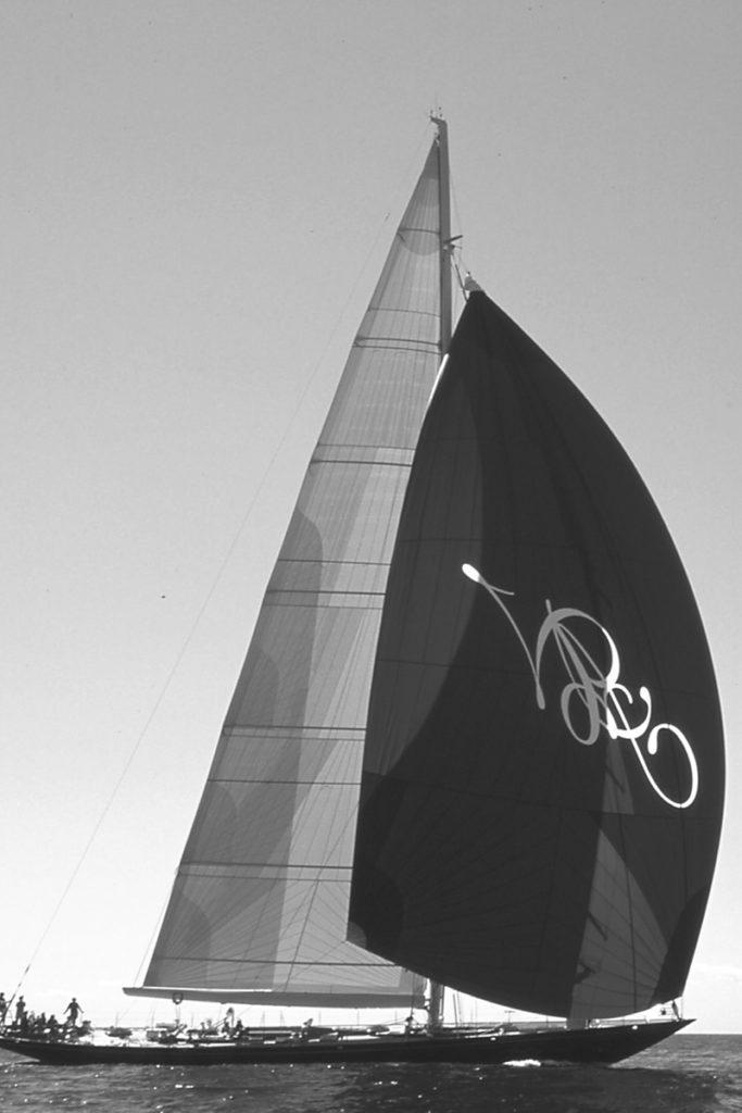 AA-Antonisa under sail